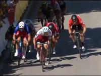 Olbrzymia kraksa na finiszu Tour de France