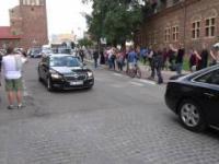 Kolumna z parą książęcą w Gdańsku w drodze do Teatru Szekspirowskiego.