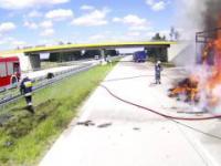 Nie tak to powinno wyglądać! Strażacy nie mogą dojechać do pożaru