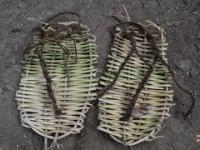 Jak zrobić prymitywne sandały?