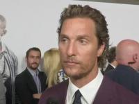 Matthew McConaughey dowiaduje się od dziennikarza o śmierci kolegi