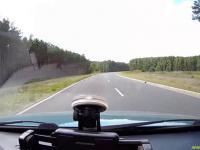 Zawodowy kierowca wyprzedza