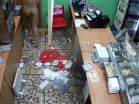 Gościu po Krokodilu wchodzi do fast-food
