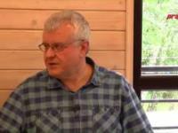 Pastor Chojecki tłumaczy po co rolnikom anteny satelitarne.