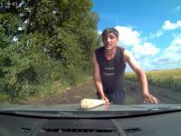 Śmieszna próba kradzieży samochodu