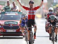 Vuelta a Espana 2017: Tomasz Marczyński wygrywa etap! Paweł Poljański drugi!