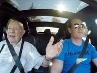 Wziął swojego 97-letniego dziadka w