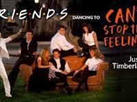 Przyjaciele tańczą do
