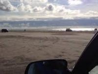 Drzemka na plaży bez wychodzenia z samochodu