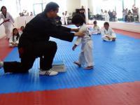 3 latek łamie deskę - Taekwondo