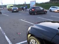 Chłopaki w Bentleyu zgubili pakunek, uczynny motocyklista zwraca im zgubę