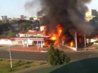 Gaz eksploduje na stacji benzynowej