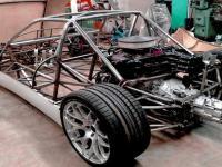 Domowej roboty samochód ROXGT V8 zbudowany od podstaw