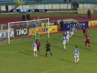 Rumuński bramkarz absolutnie zdeterminowany do nie wpuszczenia gola