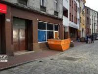Sklep z dopalaczami w Mysłowicach zastawiony kontenerem
