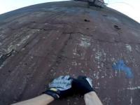Wspinaczka Polaka na 350 metrowy komin