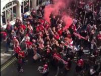 Gigantyczny marsz fanow FC Köln w Londynie