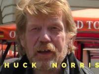 Chuck Norris robi ostre wejście
