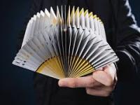 Cardistry - Niesamowite Artystyczne Tasowanie Kart