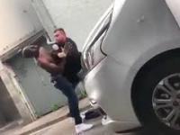 Imigrant chciał zablokować samochód, ale miał pecha bo… w środku byli Polacy