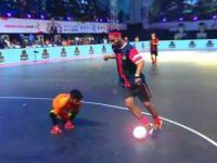 Ronaldinho jeszcze nie zapomniał jak się gra w piłkę!