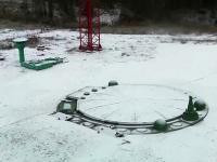 150 tonowa pokrywa silosu nuklearnego zgrabnie się podnosi