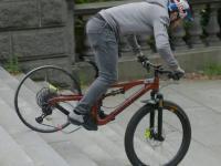 Ekstremalny test kół rowerowych