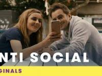 Największy dramat randkowy - kiedy spotykasz kogoś, kto nie ma konta na Facebooku