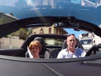 Ojciec podczas spaceru z synem wsiada do 'przypadkowego' Porsche