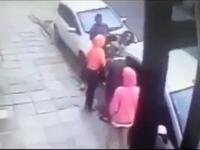 Brutalne pobicie i rabunek młodej Włoszki
