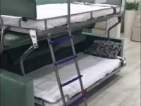 Łóżko piętrowe i kanapa w jednym