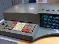 Sowiecki kalkulator Iskra 1122 z ekranem CRT