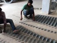 Produkcja drucianej siatki ogrodzeniowej w Indiach