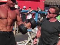 70-letni Arnold Schwarzenegger ponownie odwiedza Muscle Beach w Las Vegas