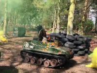 Paintball w miniaturowych czołgach