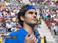 Roger Federer daje naukowe wyjaśnienie dlaczego piłka odbiła się dwa razy