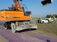 Samojezdna fabryka drogowa czyli układanie nawierzchni betonowej na S17 Garwolin