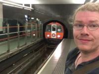 Czy to najmniejsze wagony metra na świecie? Glasgow w Szkocji