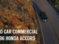 Zrobił reklamę starej używanej Hondy Accord z 1996 sprzedawanej przez jego dziewczynę