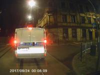 Niefortunne spotkanie z policją w środku nocy na skrzyżowaniu