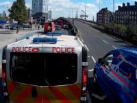Policja trolluje cwaniaka, który usiłował ominąć korek.