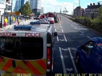 Policja trolluje cwaniaka, który usiłował ominąć korek
