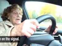 92-letnia kobieta urządza sobie przejażdżkę Teslą - modelem X.