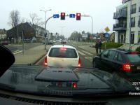 Policyjna interwencja na skrzyżowaniu - Zatrzymanie kierowcy pod wpływem