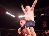 PIĘKNY GEST zawodnika MMA - zawalczył z chorym na zespół Downa amatorem