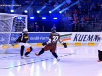 A tak wygląda piłka nożna na lodzie