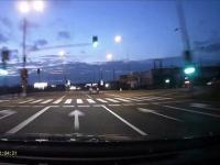 BMW spycha z drogi Wypadek kolizja