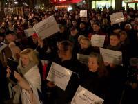 Niemcy: Anty-islamskie wiece w Berlinie na targu świątecznym w rocznicę ataku.