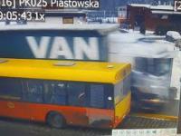 Ciężarówka przejechała po przystanku w Dzierżoniowie