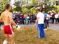 Konfrontacja rolnika z zawodnikiem MMA